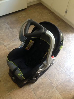Baby Trend baby seat for Sale in San Leandro, CA