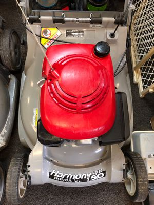 Honda Harmony 215 5.0 Self Propelled Lawn Mower for Sale in Hamilton Township, NJ