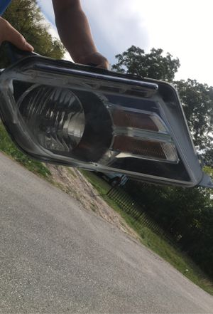 2010-2014 mustang headlight for Sale in Dallas, TX