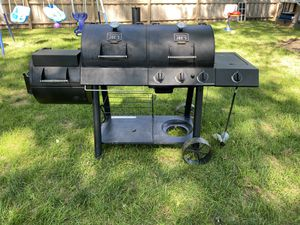 Oklahoma Joe Combo Smoke & Grill for Sale in Painesville, OH