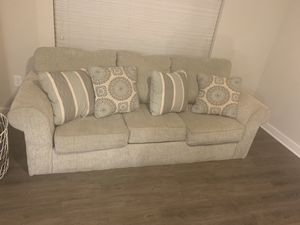 Sofa for sell! Only 6 months old for Sale in Smyrna, GA