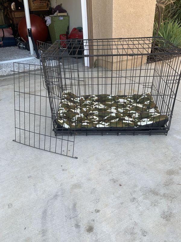 Single door wire dog crate