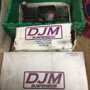 Chevy parts djm suspension lowering kit 2 in front 5 in rear c notch will fit 88 to 98 Chevy trucks for Sale in New Haven, CT