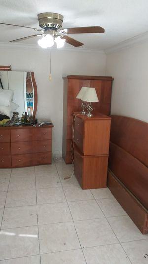 Muebles de Sala, cuarto y cocina. for Sale in Hialeah, FL