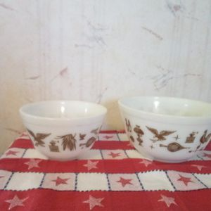 Two Small Vintage pyrex Mixing Bowls for Sale in Galion, OH
