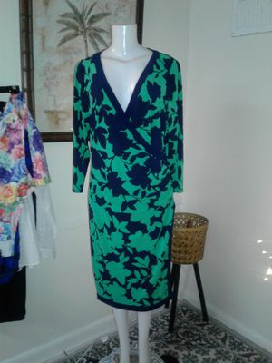 Beauttifull green blue floral size 16 side plieges for Sale in Miami Gardens, FL
