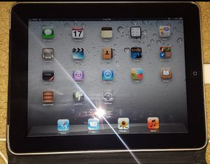 Apple iPad 1st Gen MC496LL/A Tablet 32GB for Sale in Moreno Valley, CA