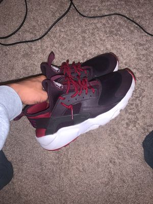 Nike huaraches for Sale in Leander, TX
