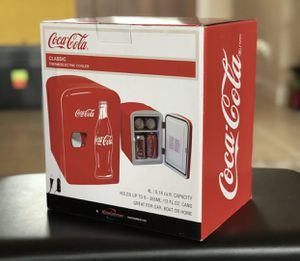 Coca Cola classic thermoelectric cooler for Sale in Houston, TX