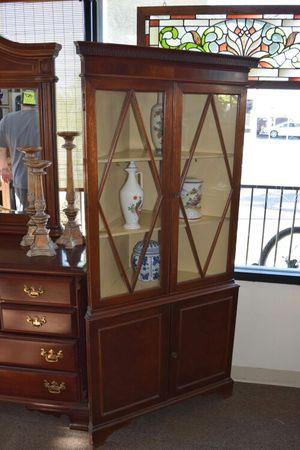 Corner Shelf / Cabinet for Sale in Oceanside, CA