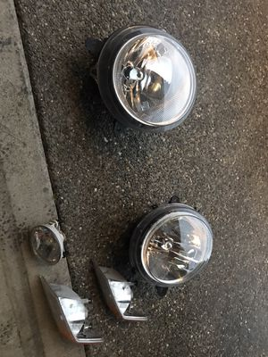 2017 Jeep Patriot headlights fog light for Sale in Tacoma, WA