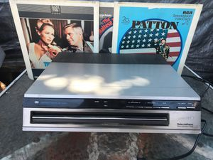 "VINTAGE RCA SELECTaVISION STEREO VIDEO DISC PLAYER Plays Disc 12"" in dia Like The Ones In The Picture I Have 35 to 40 Disc, Take A Few If You Bu for Sale in San Jose, CA"