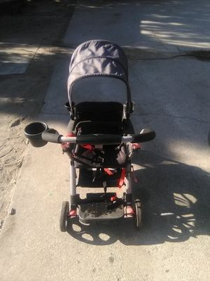 2 seat stroller for Sale in Fontana, CA