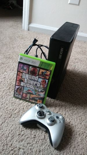 Xbox 360 gta5 and 1 controller for Sale in Stone Mountain, GA