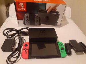 Jailbroken Nintendo switch with over 15,000 old school games 2000 switch games 128gigs of memory no trade pick up on 79th ave and peoria for Sale in Peoria, AZ