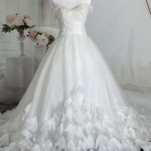 Ivory Off The Shoulder Feather Tulle Fairy Wedding Dress/Quinceanera&Sweet 16 Dress for Sale in Fort Lauderdale, FL