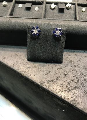 Diamond and sapphire earrings set in in 18kt white gold for Sale in New York, NY