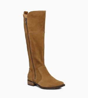 Ugg boot size 8 for Sale in Chicago, IL