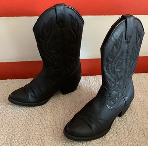 Girl boots size 3 for Sale in Burlington, NC