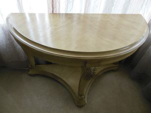 Beautiful table for Sale in Rancho Cucamonga, CA