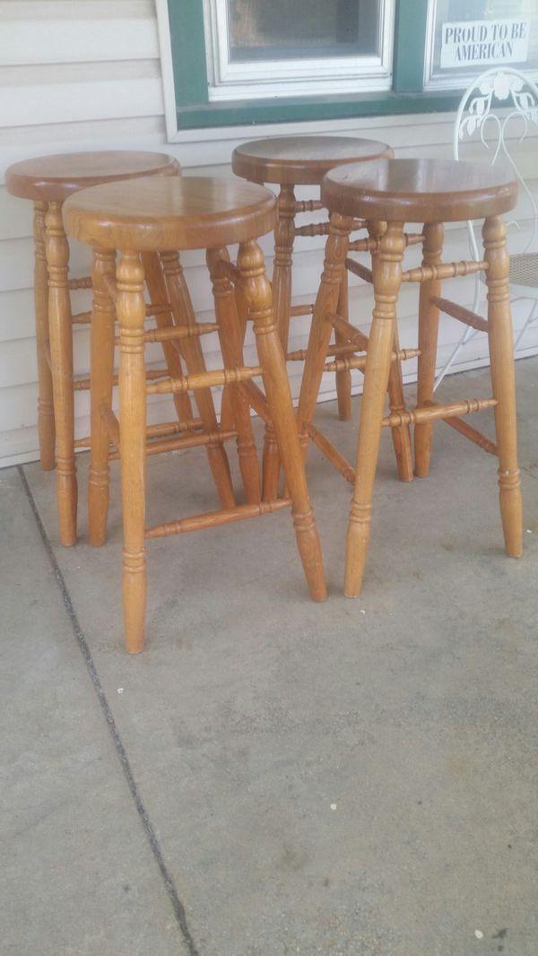 Solid Oak Bar 4 stools