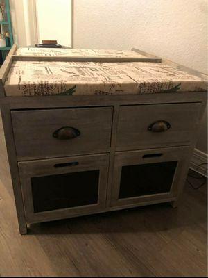 Quaint Farmhouse Coffee table for Sale in Mesa, AZ