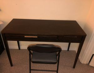 Desk with chair for Sale in West Palm Beach, FL