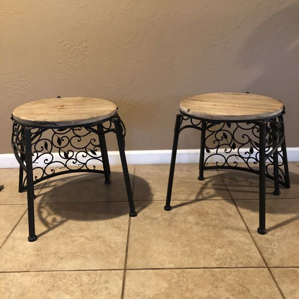 Metal leaf chair with wooden seat