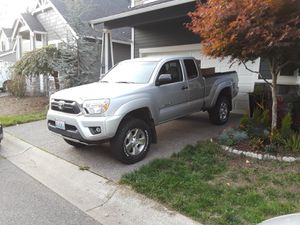 2012 Toyota Tacoma 2.7 liter access can 5 speed for Sale in Auburn, WA