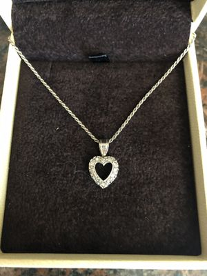 Diamond/white gold heart necklace for Sale in Hayward, CA