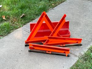 Triangle flare kit for Sale in Williamstown, PA