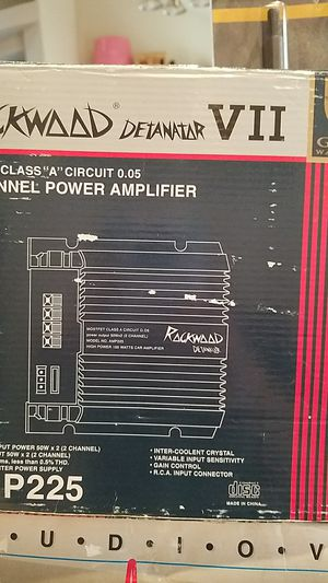 Amplifier and Speakers for Sale in Tacoma, WA