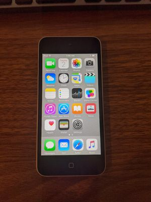 iPod touch 5th Generation 16GB excellent condition for Sale in Vienna, VA