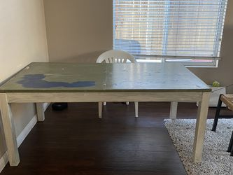 Wood Dining Room Table for Sale in Chula Vista,  CA