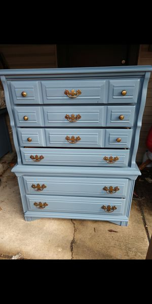 Freshly painted dresser $250 for Sale in Chicago, IL