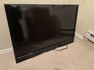 VIZIO SV470M 47-inch 1080p LCD HDTV with wall mount for Sale in Bothell, WA