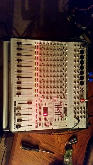 BEHRINGER PMH3000 POWERED MIXER for Sale in Charleston, MO