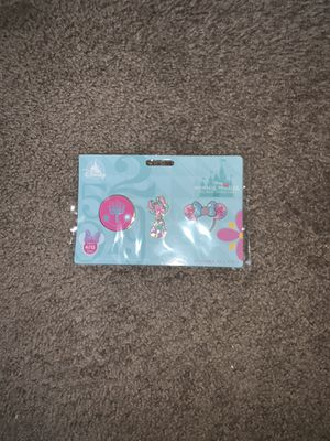Disney Minnie Mouse Main Attraction Pin set April for Sale in Blackwood, NJ