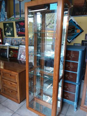 Beautiful Pulaski curio cabinet , extra tall, golden oak ! 5 shelf! Lighted ! Credit cards accepted! for Sale in Joliet, IL