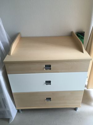 Baby changing table 3 drawer with pad for Sale in Jersey City, NJ