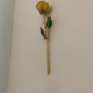 Yellow and pink 24k gold dipped roses for Sale in Brooklyn, NY