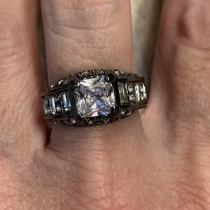 New CZ 3 kt silver wedding ring size 9 for Sale in Inverness, IL