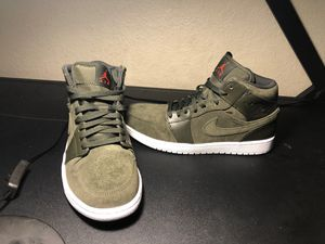 Nike air Jordan 1 mid green size 10 for Sale in Ontario, CA