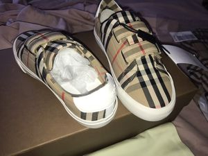 Kids Burberry size 3 for Sale in Springfield, IL