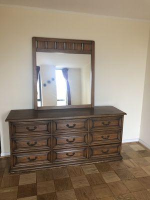 Henderon Solid Wood Bedroom Set for Sale in MARTINS ADD, MD