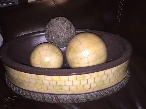 Decorative Bowl With Balls