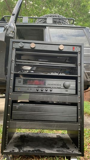 juice goose 8.0l power distribution center with 2 carver amps |price not firm| for Sale in Pembroke Pines, FL