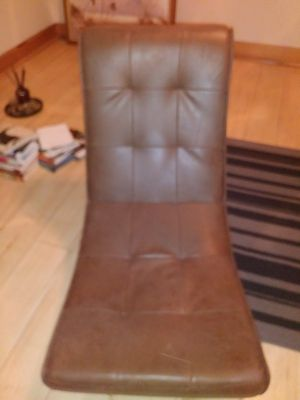 Gaming chair with speakers/bass and volume for Sale in St. Louis, MO