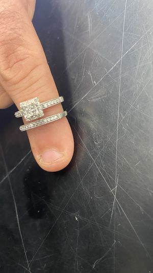 10k wedding ring set for Sale in Portland, OR