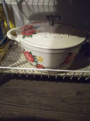 Pioneer woman Dutch oven for Sale in Kingsport, TN